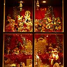 Christmas Victorian Shop Window at castleton derbyshire 2018  by Simon-dell