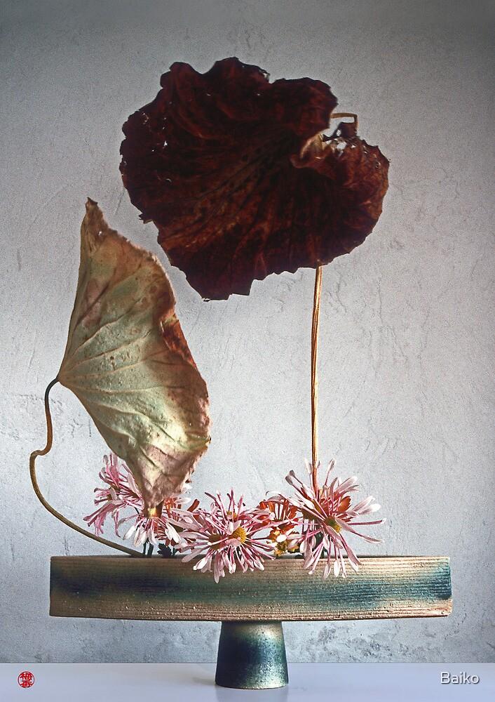 Lotus In Love, Ikebana-003 by Baiko