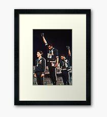Lámina enmarcada Cartel del saludo del poder negro de los Juegos Olímpicos 1968