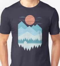 Kabine im Schnee Unisex T-Shirt