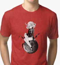 Camiseta de tejido mixto Tatsumaki en la tierra