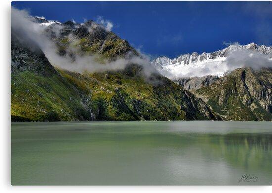 Alpine lake by Mario Curcio