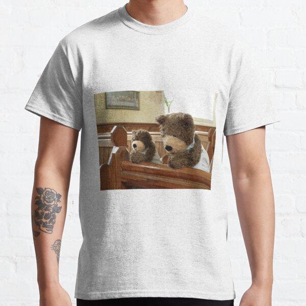 Teddy Bears praying in church Classic T-Shirt
