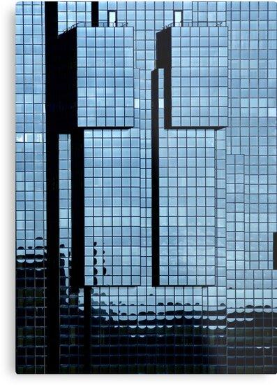 Northern and Shell Building - London by George Parapadakis ARPS (monocotylidono)
