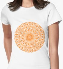 Tribal Mandala Orange Tailliertes T-Shirt für Frauen