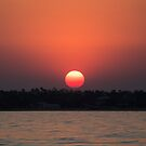 Really red sun by vfphoto