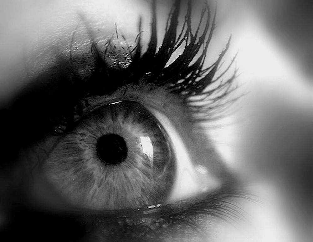 Eye macro in B&W by AleFletcher