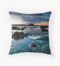 Taputeranga island shallows Throw Pillow
