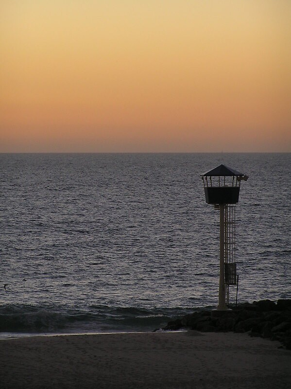 Lifeguard's tower at City Beach by Wildflower7777
