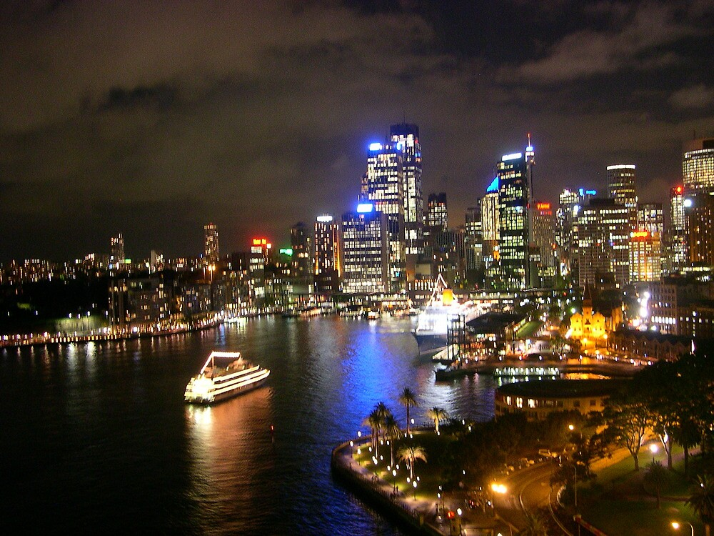 Sydney harbour by night by choppers