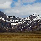 Icelandic Mountain Flow by Matthias Keysermann