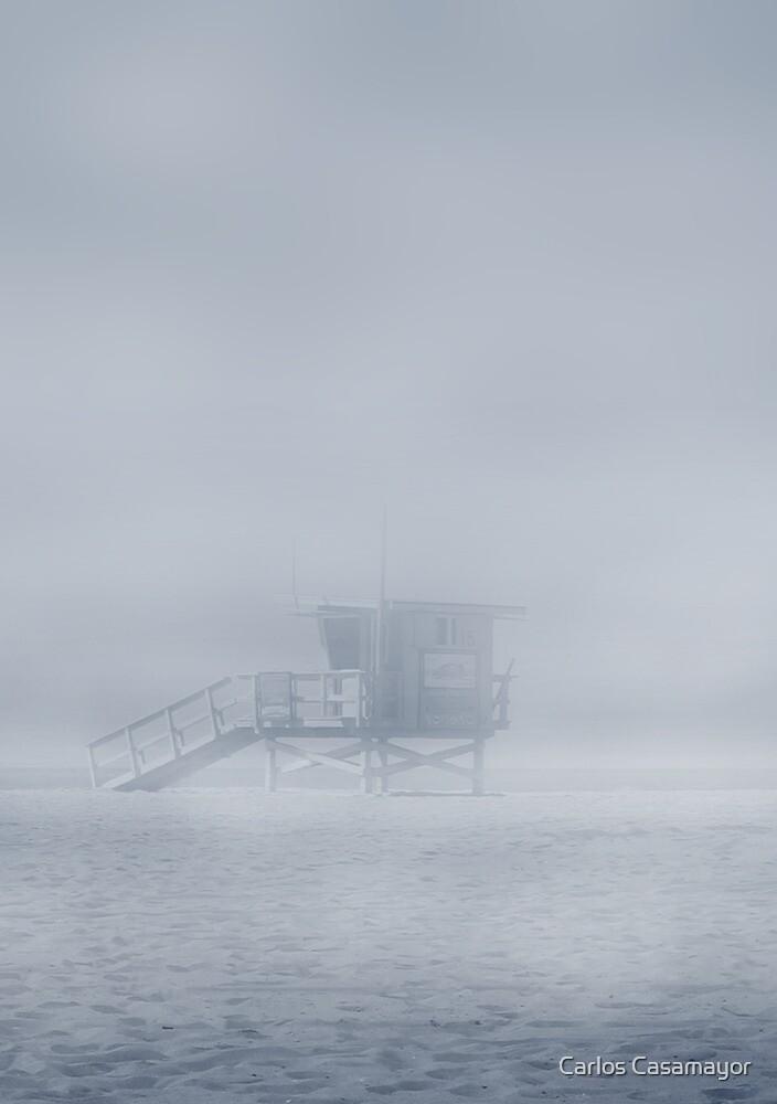 Fog in the beach by Carlos Casamayor