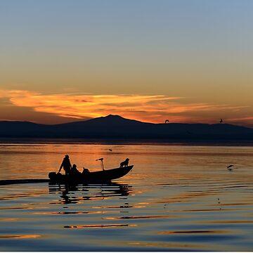 Fishermen homeward bound (diretto verso casa), San Feliciano, Lago Trasimeno, Umbria, Italy by AndyJones