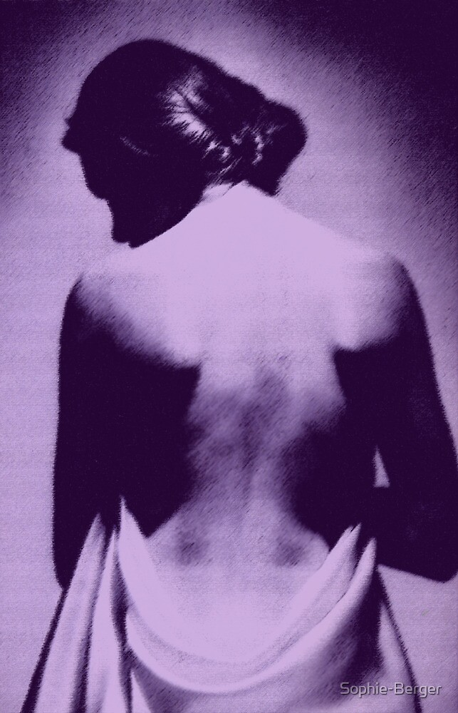 Nu dos  by Sophie-Berger