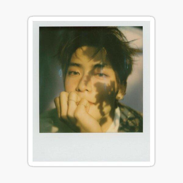 belleza poética polaroid- jaehyun Pegatina