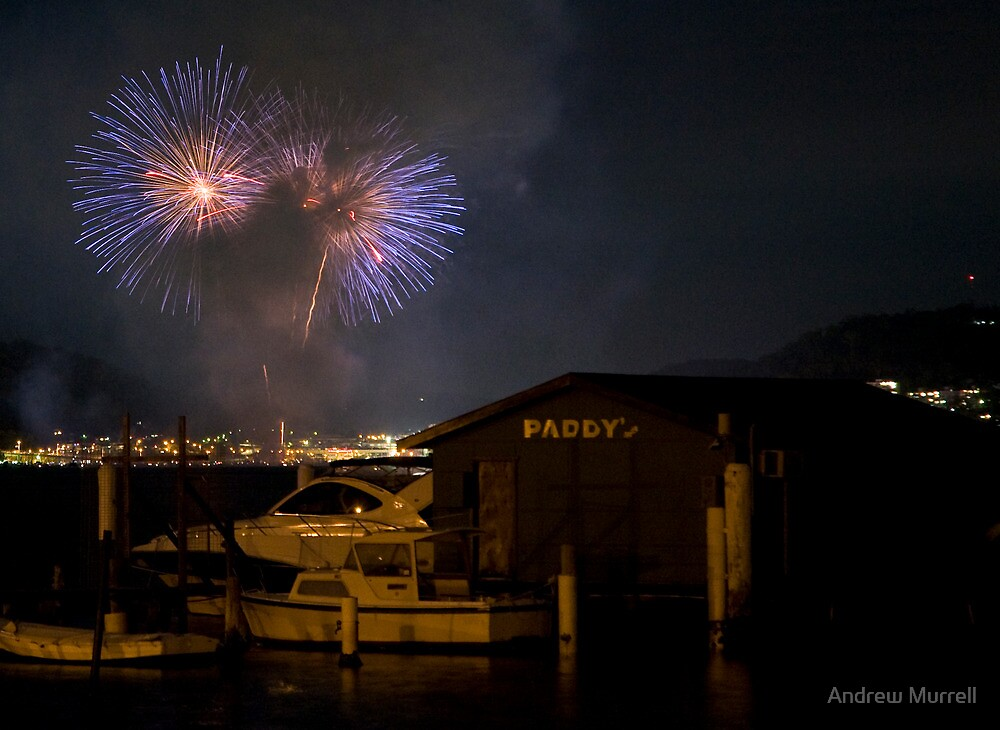 Gosford Fireworks by Andrew Murrell