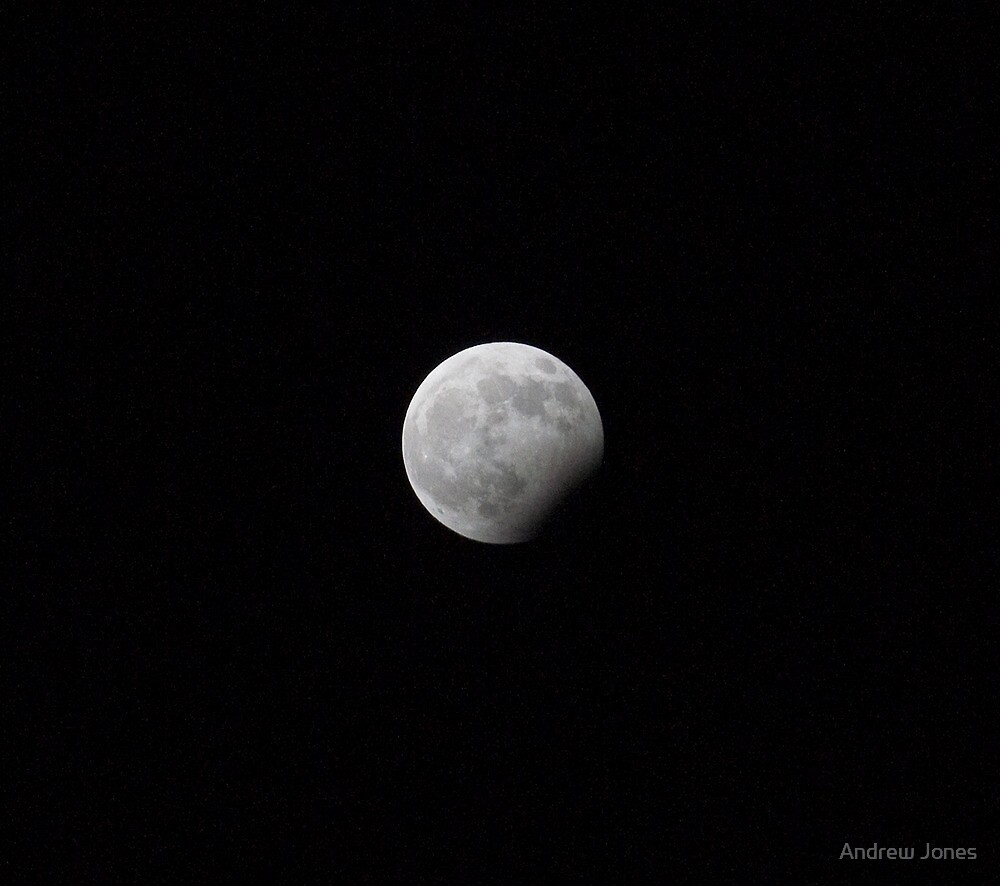 Lunar eclipse, New Year's eve 2009 by Andrew Jones