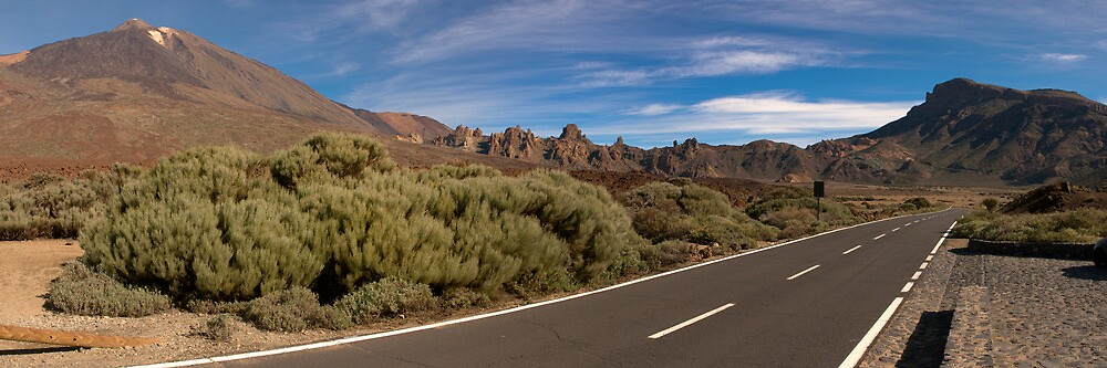 Teide Crater  by Kelvin Hughes