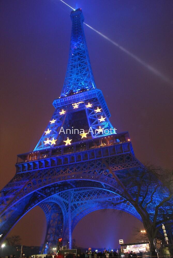 The Eiffel Tower in Blue, Paris, France  by Anina Arnott