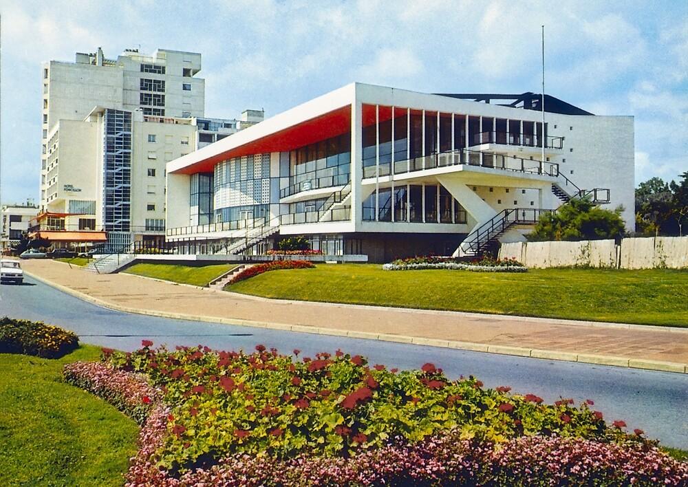 « Le Palais des Congrès de Royan dans les années 60-70 » par Francois Richet