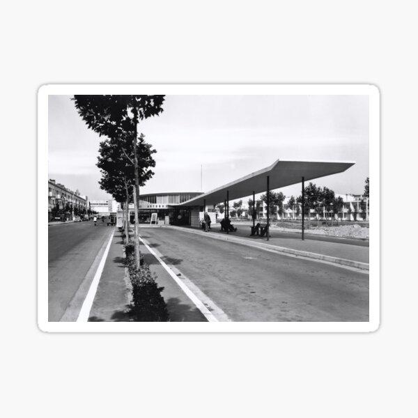 La gare routière de Royan dans les années 50 Sticker