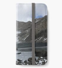 Chasm Lake in October iPhone Wallet/Case/Skin