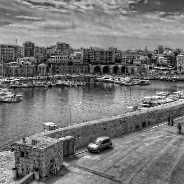 Heraklion Old Port B&W by tomg