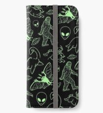 Cryptid Pattern (Green Lines) -   iPhone Wallet/Case/Skin