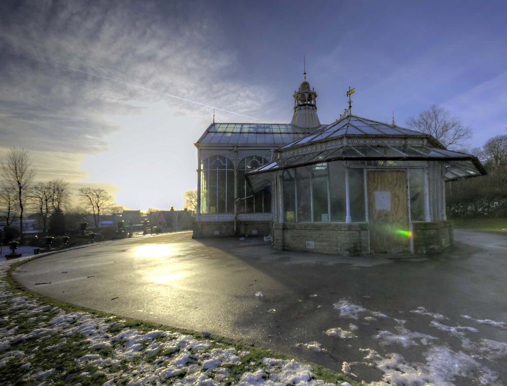 Corporation Park Conservatory  by AndyDevine