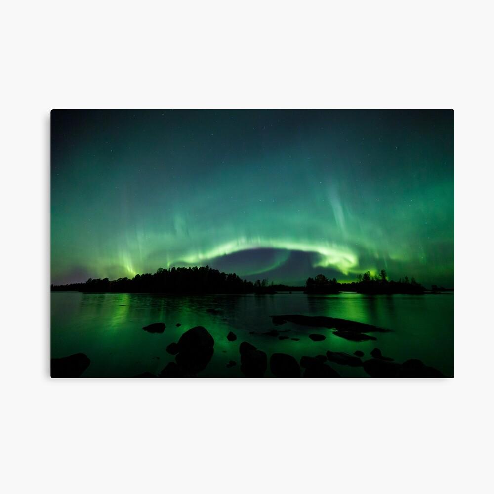 Wunderschöne Nordlichter über dem See Leinwanddruck