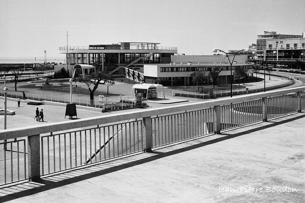 « Casino Municipal de Royan, années 60 (3) (©JP Boudon) » par Francois Richet