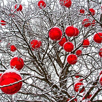 Tree and Christmas balls by fourretout