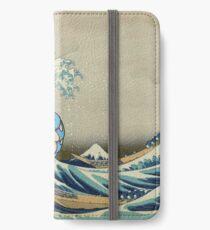 Die große Welle vor Garados iPhone Flip-Case/Hülle/Klebefolie