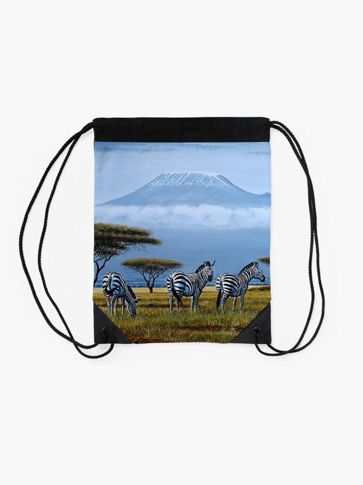 Alternative Ansicht von Schöne Kunstentwürfe der Zebras am Fuß des Berges. Kilimandscharo Turnbeutel