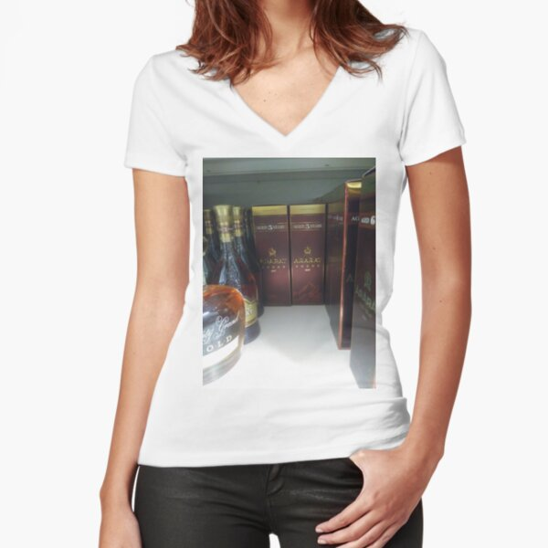 New York City, Manhattan, New York, downtown, #NeeYorkCity, #Manhattan, #NeeYork, #downtown, #buildings, #streets, #avenues, #skyscrapers, #cars, #pedestrians #GlassBottle Fitted V-Neck T-Shirt