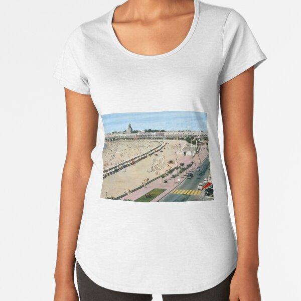Plage de Royan, années 60 (2) T-shirt premium échancré