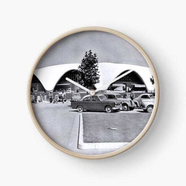 Le Marché Central de Royan vers 1956 Horloge