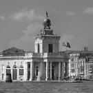 Punta della Dogana - B&W by Tom Gomez