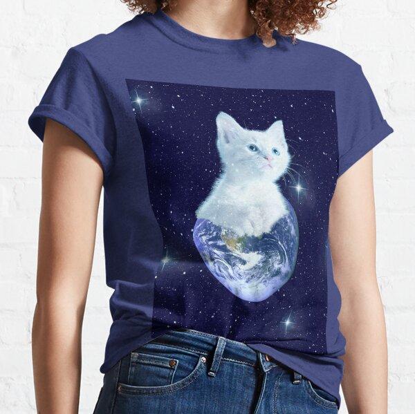 Space Baby Cat auf der Erde Classic T-Shirt