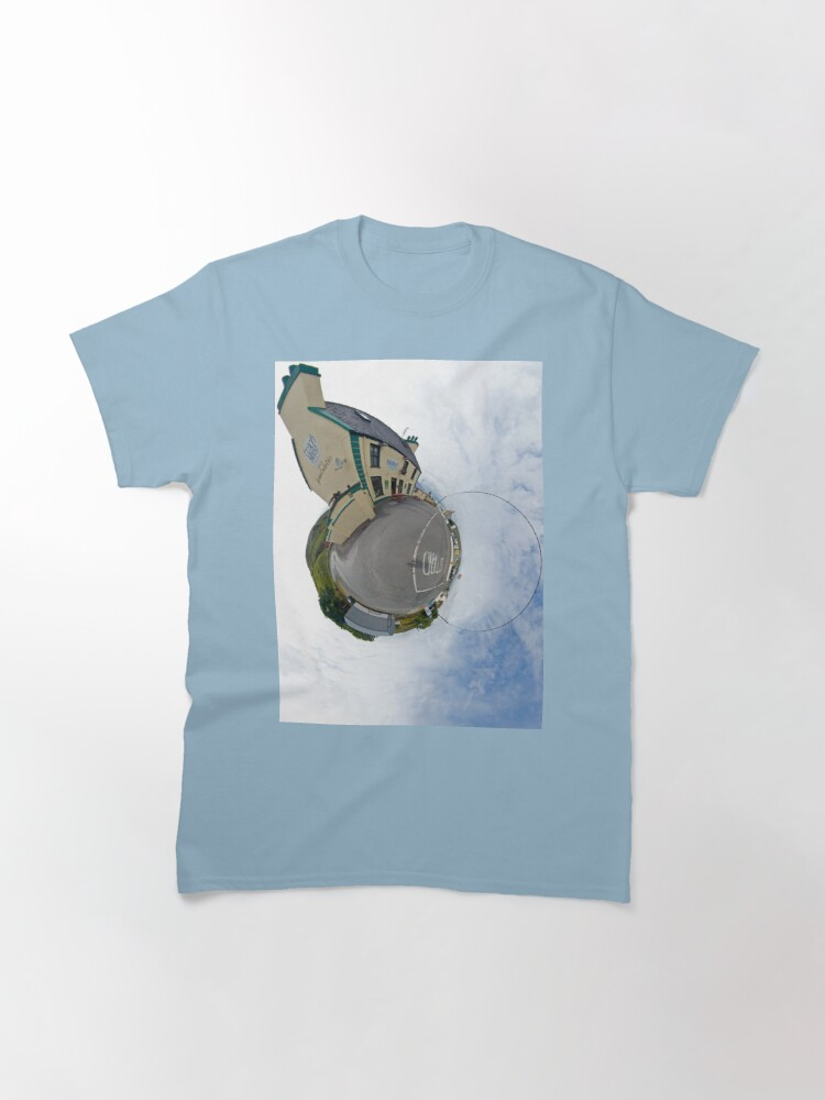 Alternate view of Biddy's House - the Crossroads Pub, Glencolmcille(Sky Out) Classic T-Shirt