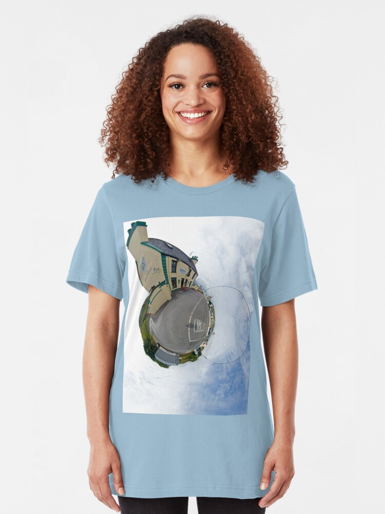 Biddy S House The Crossroads Pub Glencolmcille Sky Out T Shirt By Veryireland Redbubble
