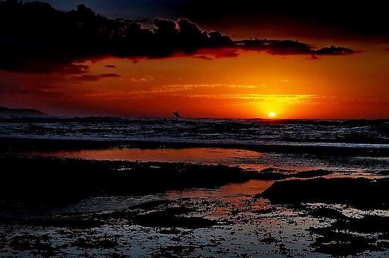 """Sunrise Surfer"" by Phil Thomson IPA"