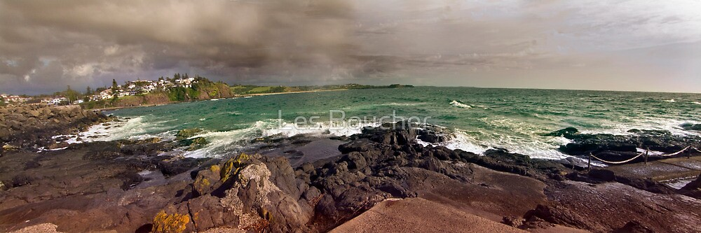 Kiama To Bombo beach...Best Viewed Larger. by Les Boucher