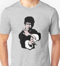 Bruce Lee auf seinem berühmten Kung-Fu-Jet Kune posieren, Kunstwerke, T-Shirts, Drucke, Poster, Taschen, Männer, Frauen, Kinder Slim Fit T-Shirt