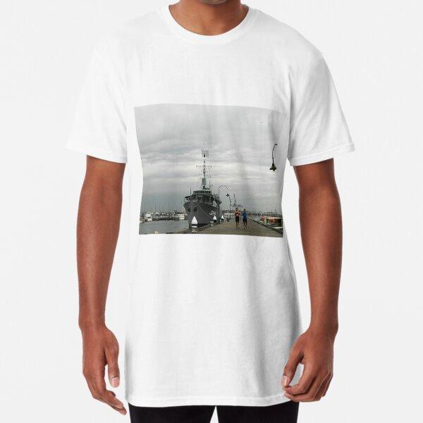 *HMAS Castlemaine Corvette WWll* Long T-Shirt