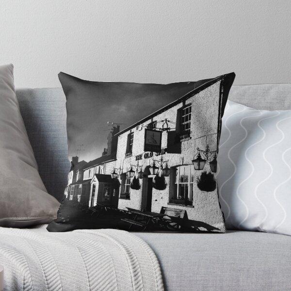 Old Ship Inn, Heybridge - Mono Throw Pillow