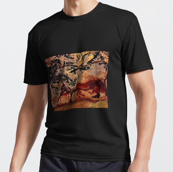 #Lascaux #Cave #Paintings #Bull LascauxCave PaintingsBull LascauxCavePaintingsBull CavePaintings CaveDrawings drawings Active T-Shirt
