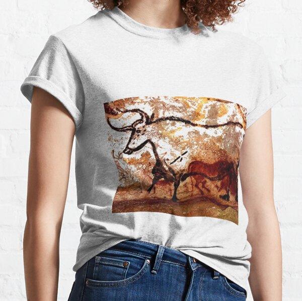 #Lascaux #Cave #Paintings #Bull LascauxCave PaintingsBull LascauxCavePaintingsBull CavePaintings CaveDrawings drawings Classic T-Shirt