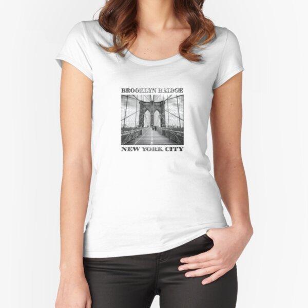Brooklyn Bridge, New York City (rustic black & white) Fitted Scoop T-Shirt