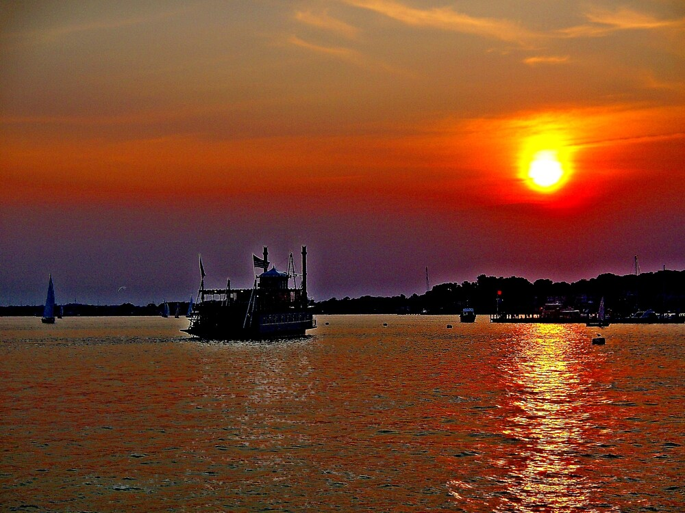 A  Riverboat  going into the sunset     by fiat777